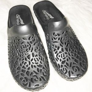 Dansko Pippa lace cut out black clog mules Size 36